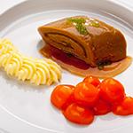 Rinderoulade mit glacierten Mörchen und Karoffelpüree